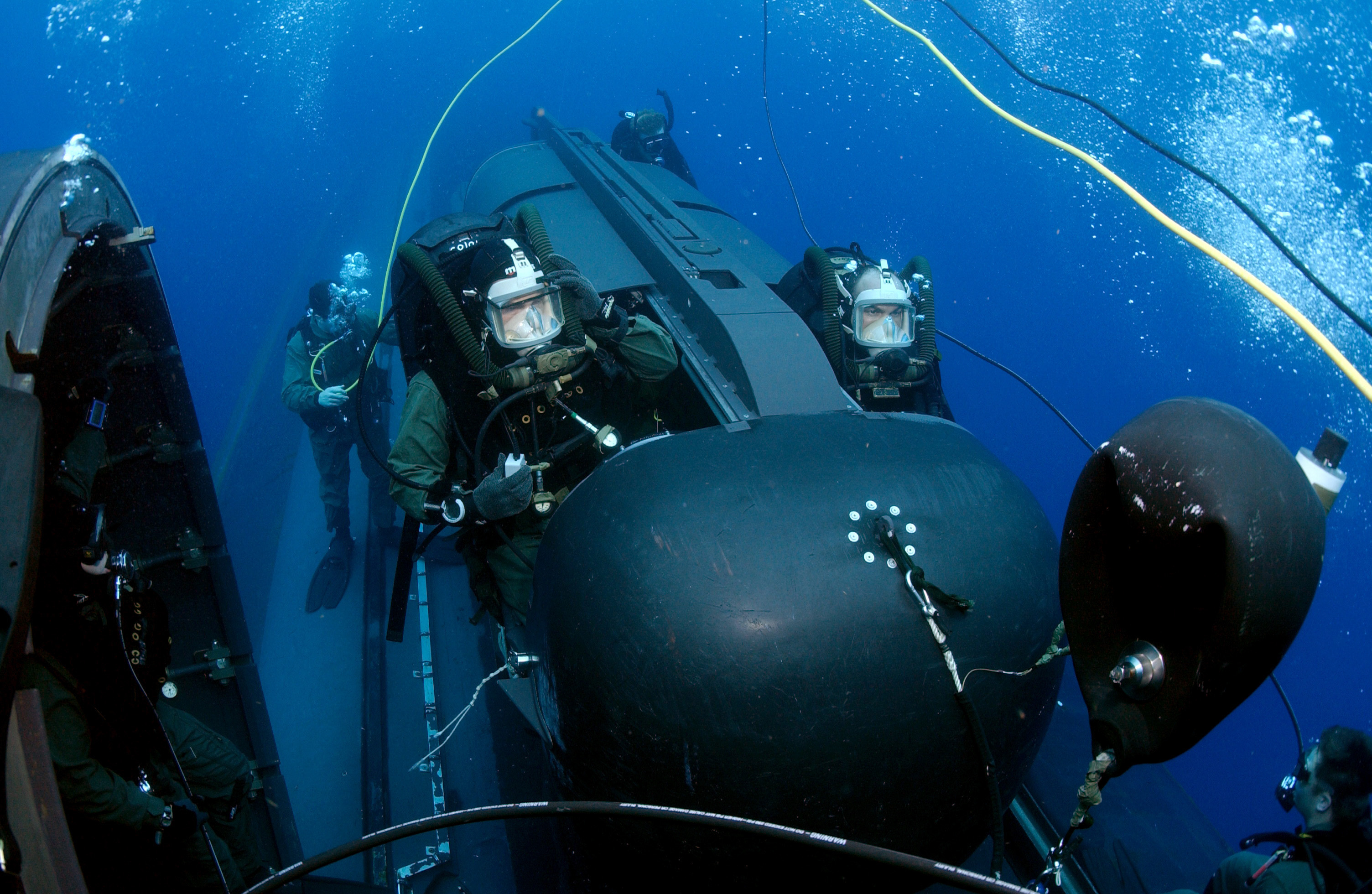 Military And Navy Diving Equipment Sales & Service